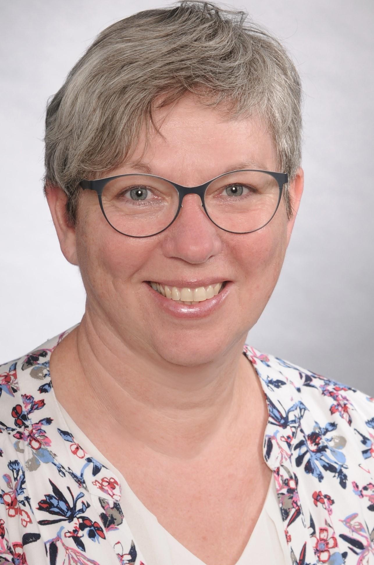 Dr. Andrea Reusch